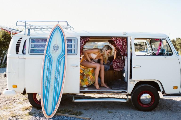 05-surfer-girls-beach-trip