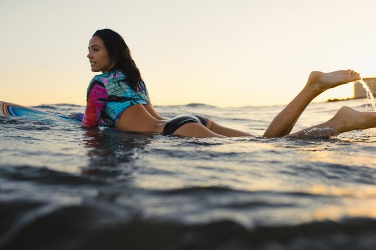 26-surfer-girls-beach-trip