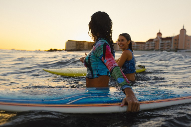 29-surfer-girls-beach-trip