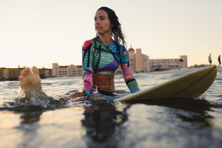 31-surfer-girls-beach-trip