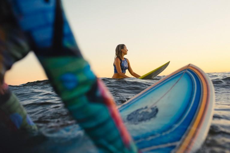 32-surfer-girls-beach-trip